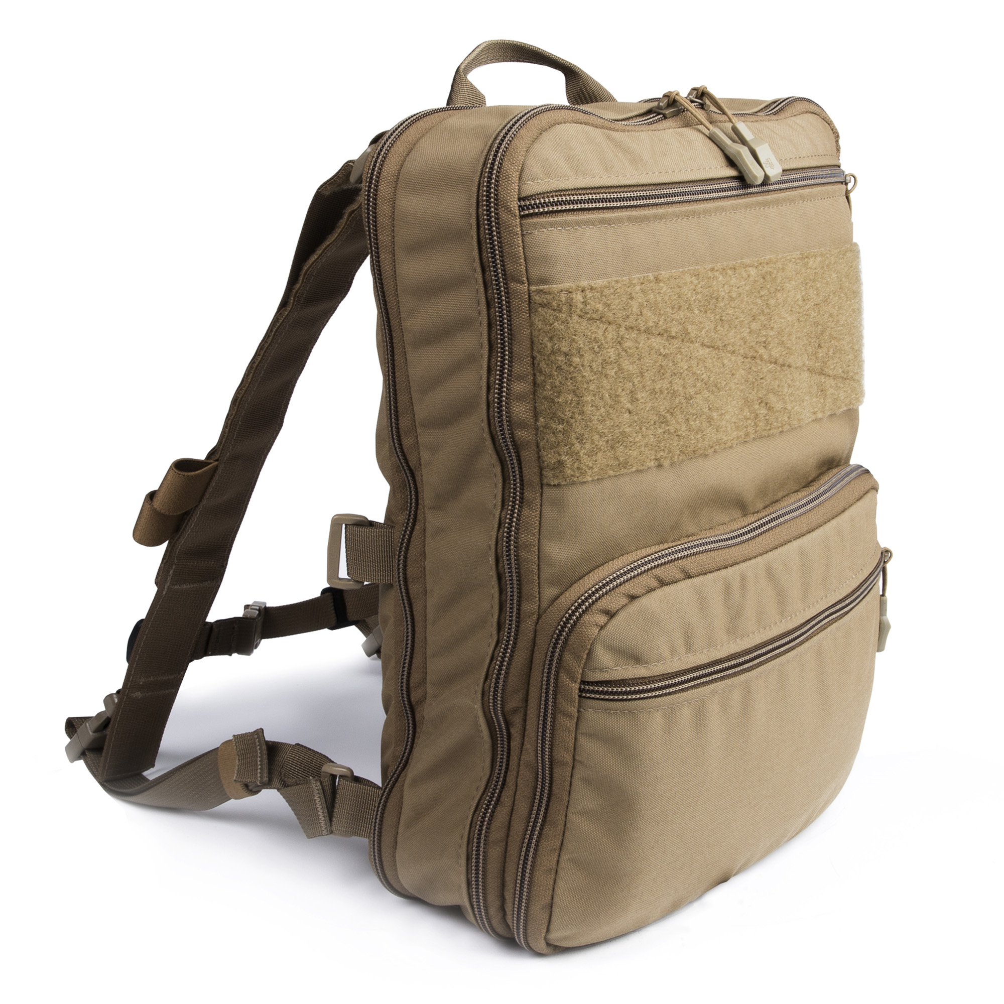 The D3 Flat Pack PLUS is a Hybrid Bag that bridges the gap between a small assaulter pack and a full sized day pack. It can go from an almost flat profile when compressed to over 1400 cubic inches when completely expanded.